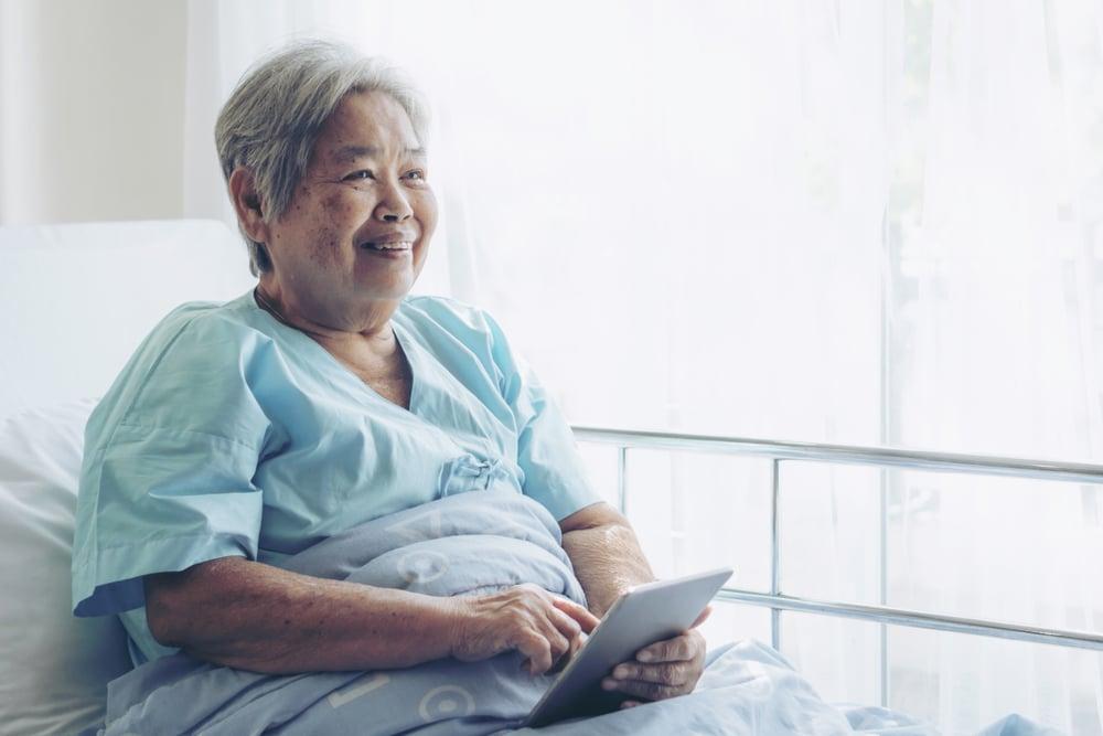 patient qui profite du chromecast