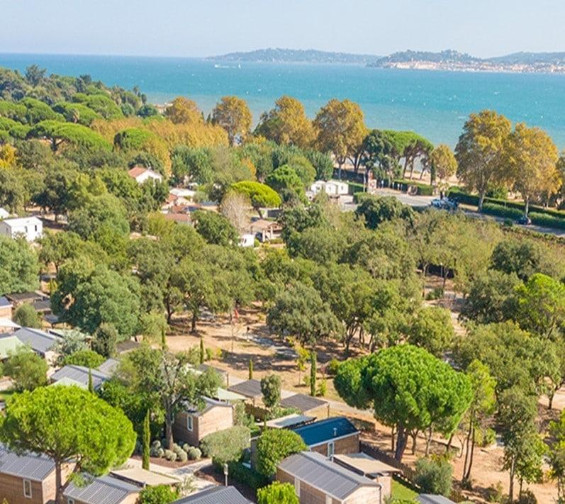 Le Camping 4* Les 4 Mûres se trouve à proximité de la mer